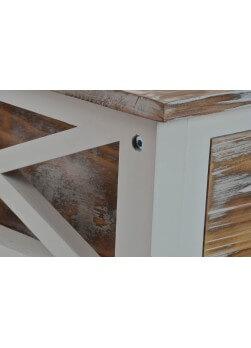 commode 3 tiroirs, bois décapé. style Alpin